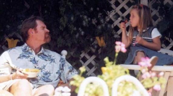 Bé Lauren và người cha nhẫn tâm Cameron Brown