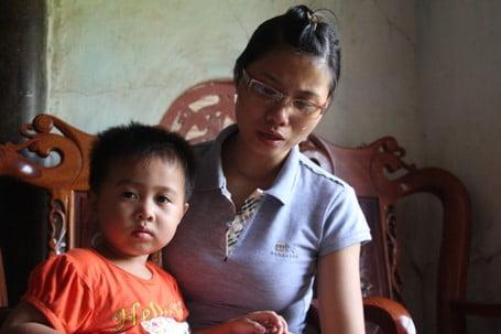 Chị Bắc nghẹn ngào kể lại những tháng ngày chiến đấu chống lại bệnh ung thư để giữ lấy đứa con