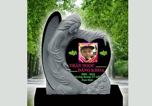 Nhiều bậc bố mẹ chọn nghĩa trang online cho con.