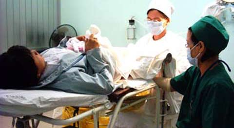 Khi có bệnh nhân tìm đến xin được phá thai, dù day dứt nhưng người thầy thuốc hầu như không có lựa chọn nào khác là đồng ý (Ảnh minh hoạ: camnanggiadinh)