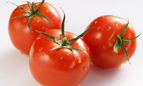 Cà chua giúp da tươi sáng và mịn màng hơn