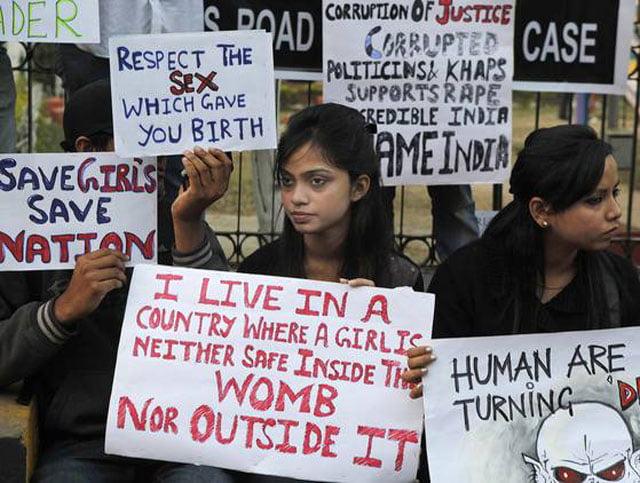 Biểu tình phản đối phân biệt giới tính tại Ấn Độ - Ảnh: AP
