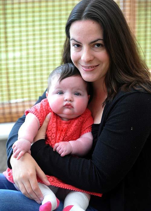 Khi quyết định sẽ thụ tinh ống nghiệm thì bà mẹ 36 tuổi biết tin có bầu.