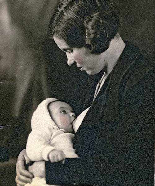 Một bức ảnh tư liệu khác được chụp năm 1920