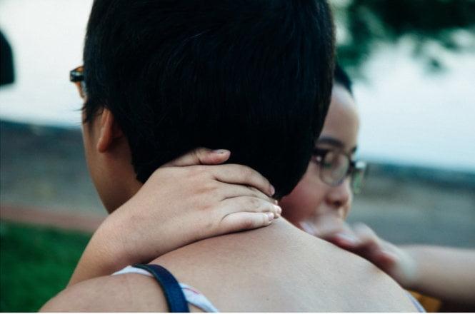 Khi nhìn thấy bạn ấy, xinh xắn và tròn xoe, khỏe mạnh - cảm giác thật không thể tả nổi. Mình thấy cuộc sống giờ thật có ý nghĩa.