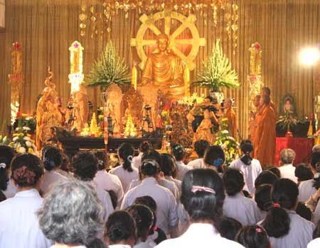 Một buổi lễ cầu siêu cho các thai nhi bị phá bỏ tại chùa Từ Quang