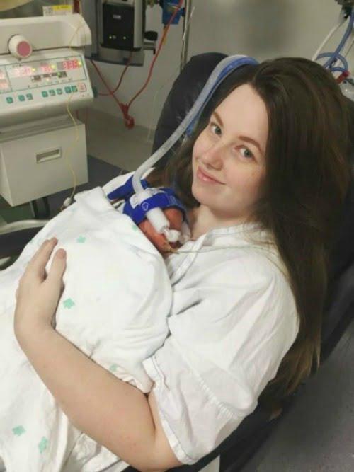 Các em bé được chăm sóc đặc biệt trong bệnh viện và sức khỏe có dấu hiệu ổn định.