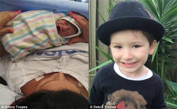 Vì một số biến chứng và bệnh tiền sản giật mà mẹ của bé Kruz rất yếu sau khi sinh. (Ảnh: Daily Mail)
