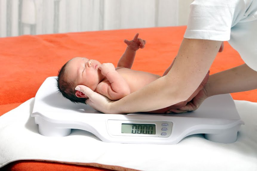 Trẻ sinh nhẹ cân chủ yếu do ý thức không tốt về sức khỏe và dinh dưỡng của mẹ