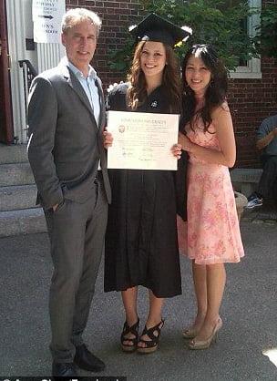Sophia, con gái đầu của Mẹ Hổ Amy Chua, vừa tốt nghiệp Đại học Harvard và đang học ở Trường Luật Yale. Ảnh: Facebook.