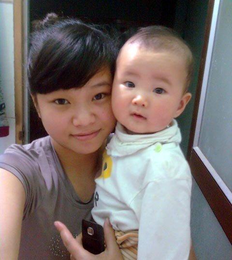 Mặc dù bị gia đình phản đối, Thủy vẫn quyết định làm mẹ đơn thân khi tuổi đời còn rất trẻ.