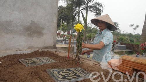 Cô Nguyễn Thị Chín vừa tự tay chôn cất 5 hài nhi sơ sinh tội nghiệp