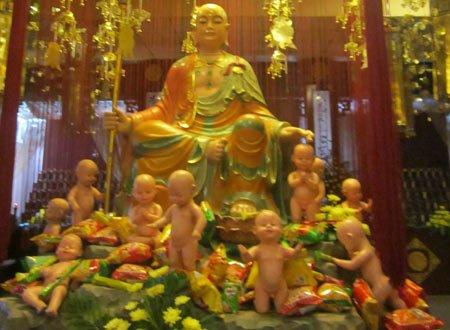 Nơi thờ cúng các sinh linh bên trong chùa