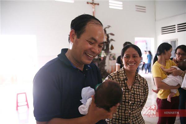 Mọi hoàn cảnh, mọi mảnh đời đều được cha Tịch cùng các nhà hảo tâm cưu mang tại mái ấm Tạm Lánh.