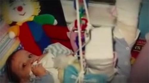 Bé gái sơ sinh sống sót kỳ diệu sau ca phá thai.